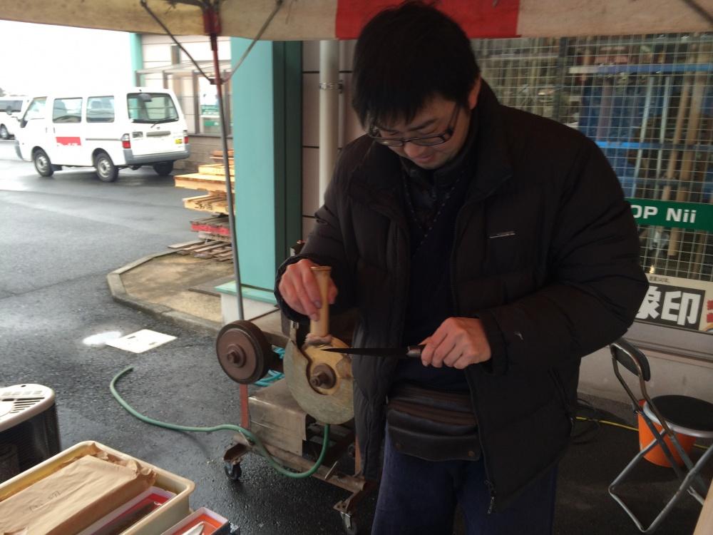 中村刃物さん出店!包丁・刃物をサービス価格で研いでくれます!