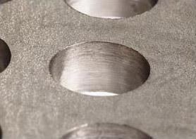 ドリル加工穴 バリ取りなしでも切削面が美しい