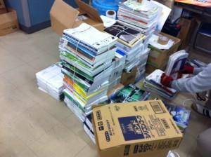 金物工具資材、たくさんのカタログ資料