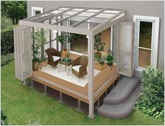 ガーデンルーム暖蘭家族 インナーデッキ仕様のガーデンルーム。